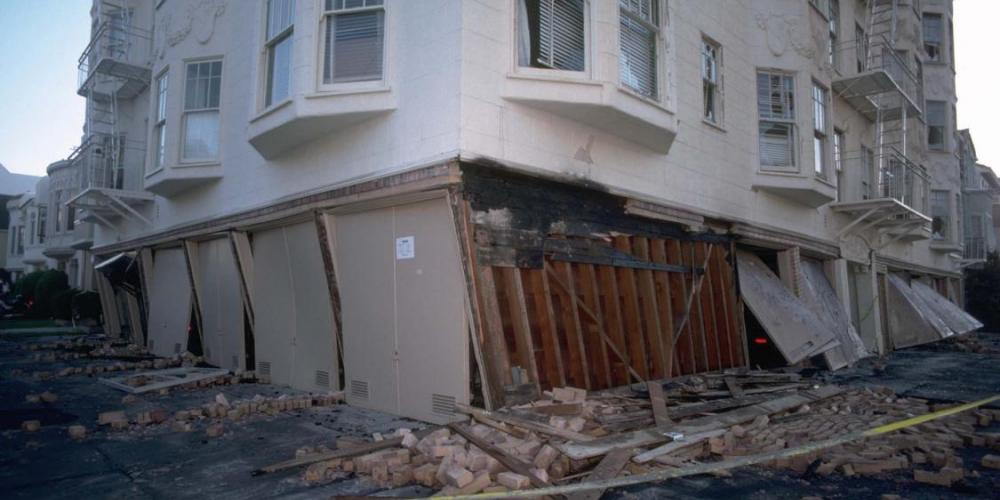Soft Story collapse in the SF Marina district from 1989 Loma Prieta earthquake